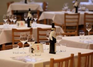 Společenský sál-stoly