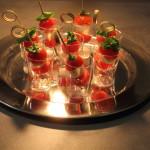 Špízy mozzarella, cherry rajčata